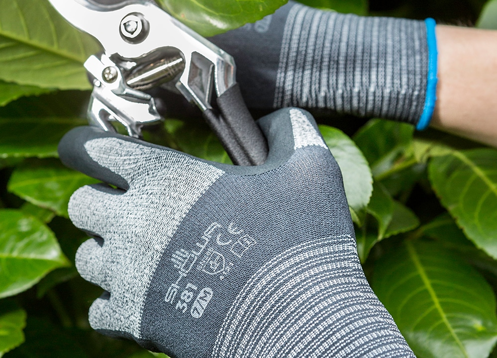 What Are Gardening Gloves Used For?